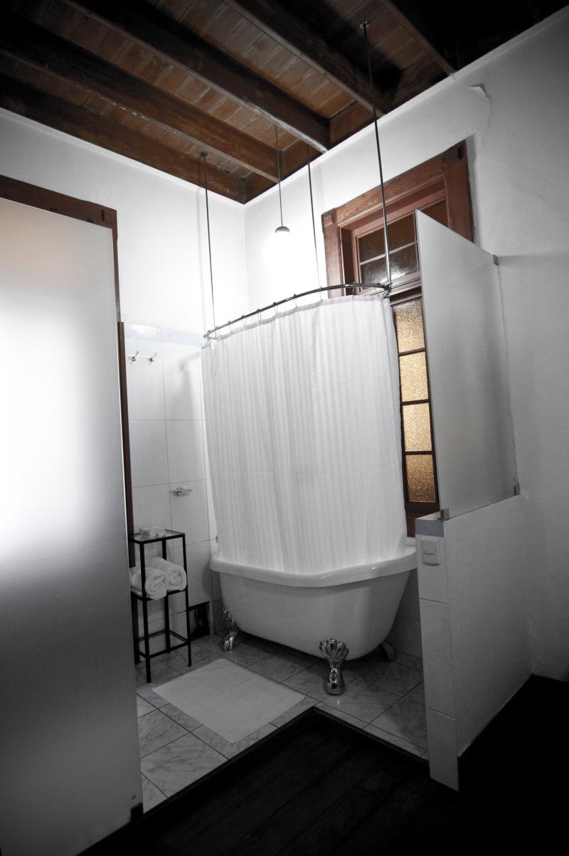 每個房間都設有古典的浴缸