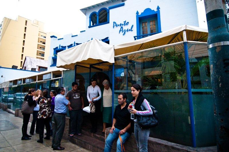 很受當地人歡迎的Punto Azul