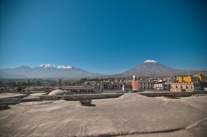另一邊是El Misti 同Pichu Pichu 兩個火山