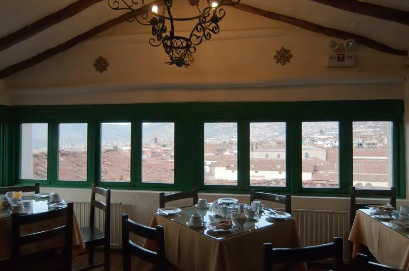酒店的餐廳在我們房間下一層, 有著同樣的Cusco全景。