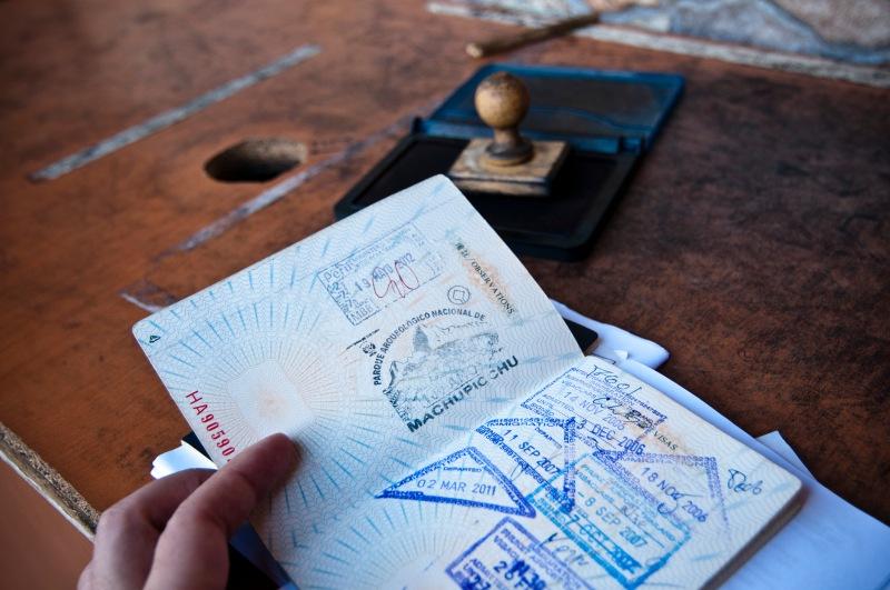 臨走別忘記在passport上蓋個印!